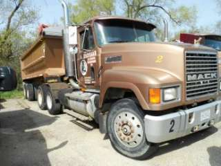 1995 Mack CH613 Semi Truck Day Cab with 2000 Hillbilt Dump Trailer