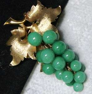 Vtg Jade Green Beaded Grape Cluster Dangle Pin Brooch