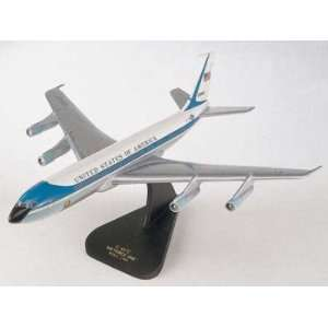 VC 137C Air Force One   1/100 scale model Toys & Games
