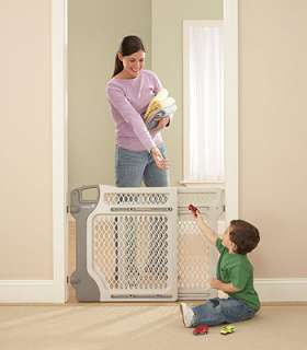 Safety 1st Lift, Lock & Swing Gate   Safety 1st   Babies R Us